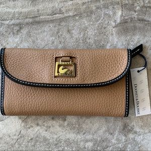 Dooney & Bourke Wallet. NWT. Sand with Black Trim